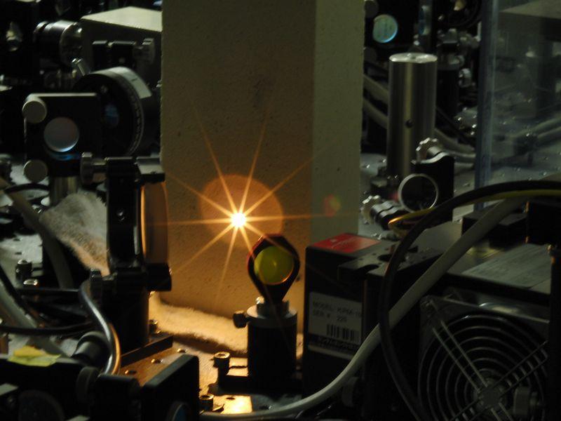 図3-2:CO2レーザーの光